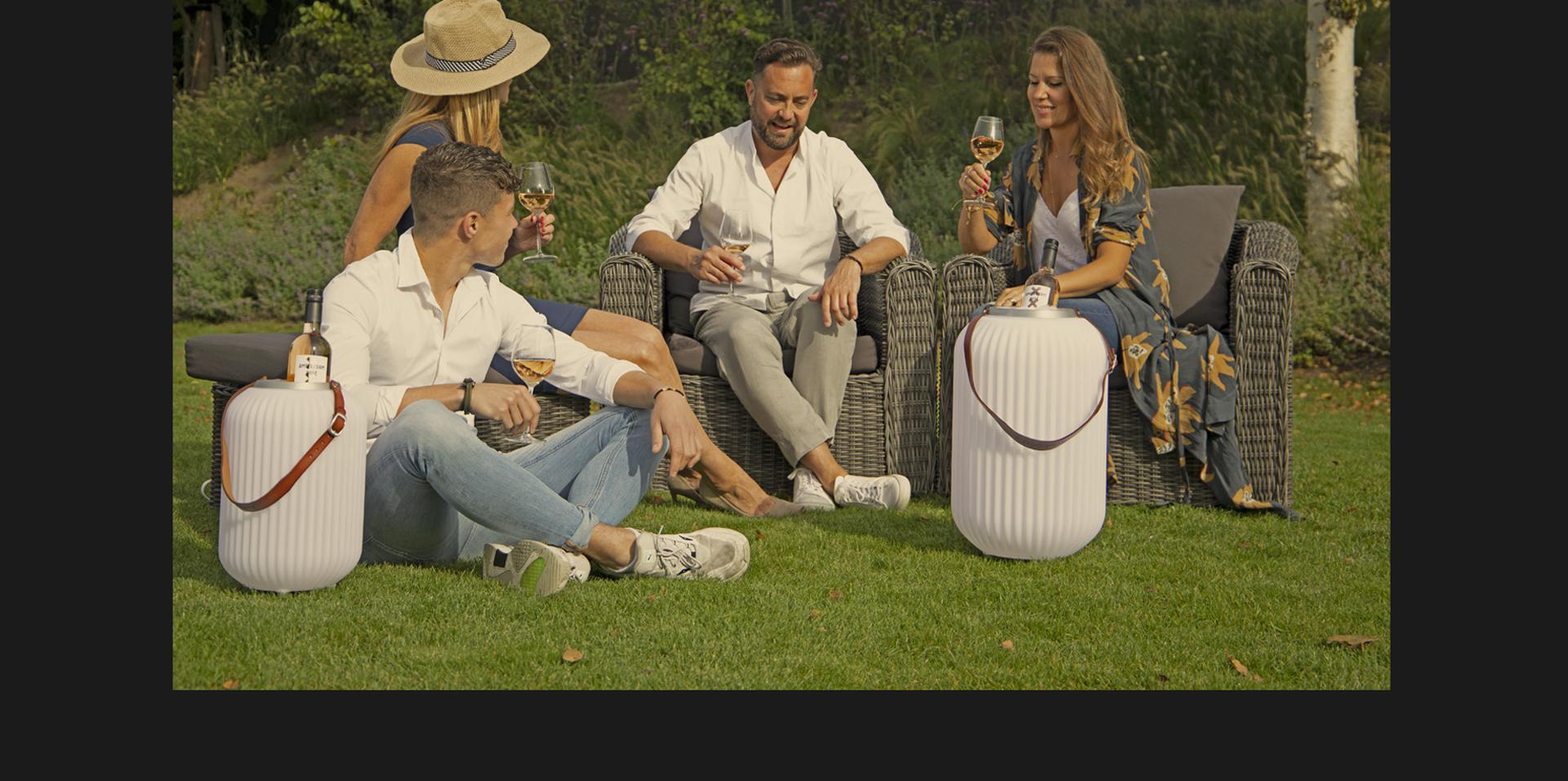 nikki-amsterda-banner-lampion-l-bluetooth-speaker-wine-cooler-led-lighting kopiëren